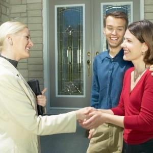 Cum sa alegi un agent imobiliar bun?